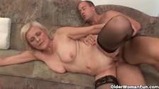 Лучшее зрелое порно о том, как надо дрочить